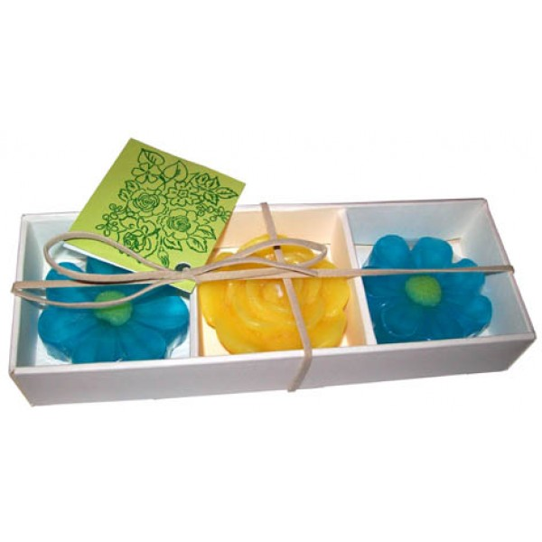 SET OF 2 SOAPS AND AND 1 FLOATING CANDLE